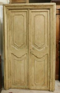 pts642 n. 5 doors from the eighteenth century, two measure height 223 cm x wide. 138 cm,""