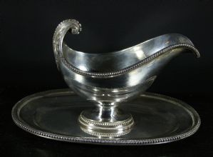 Gravy boat with silver oval plate - Puiforcat 1890 (approximately)