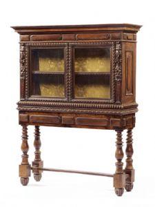 Cabinet in legno