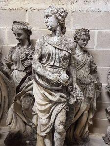Antico pannello in pietra. Epoca XIII Secolo.