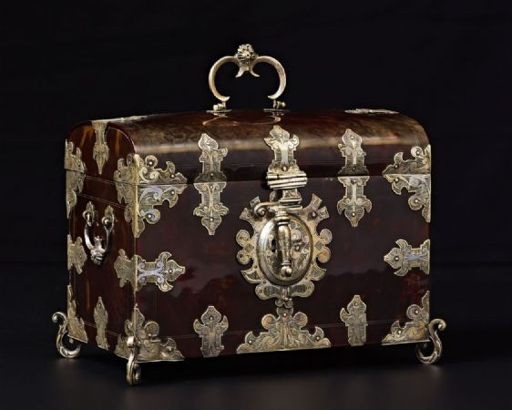 Superb colonial big chest, Mexico, c. 1700, tortoiseshell and silver