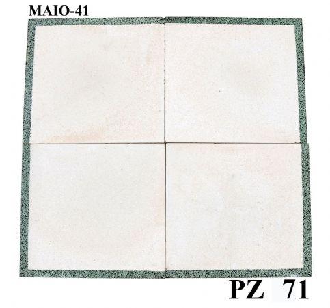 Antica pavimentazione in graniglia. cm 33x33.