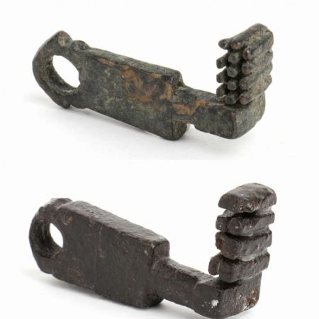 Coppia di chiavi romane originali