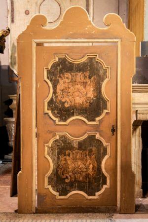 ptl538 - porta laccata con pannelli dipinti, epoca '6/'700, cm l 170 x h 290