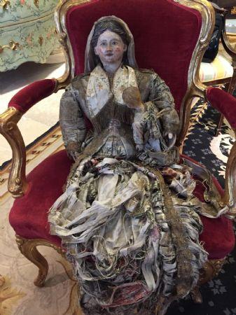 Antica bambola