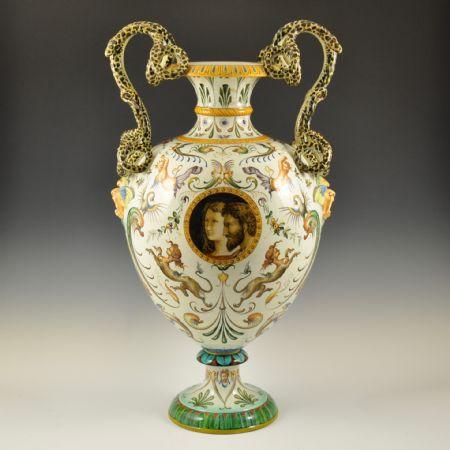 Vaso con anse a forma di serpente e decoro a grottesche <br>Manifattura Ginori, Doccia (Firenze) 2ª metà '800