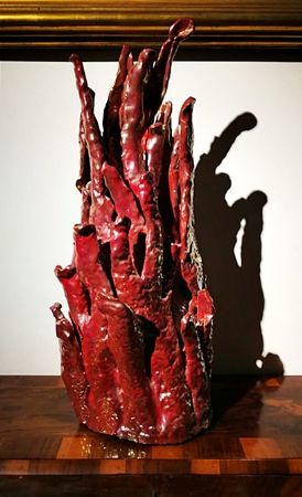 Rara ceramica art deco' in lustro smaltato a forma di cespuglio di corallo. Firmata R.Gatti Faenza.
