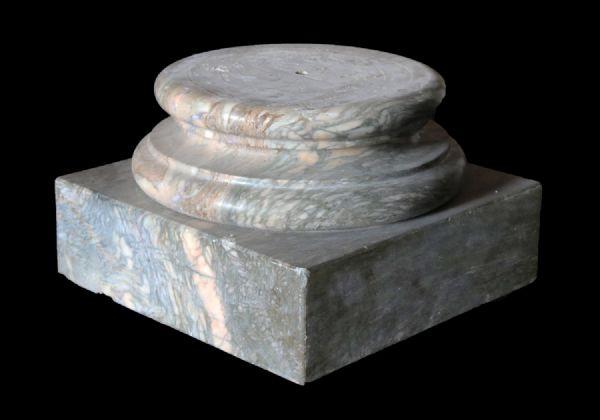 Antica base in marmo. Epoca 1800.