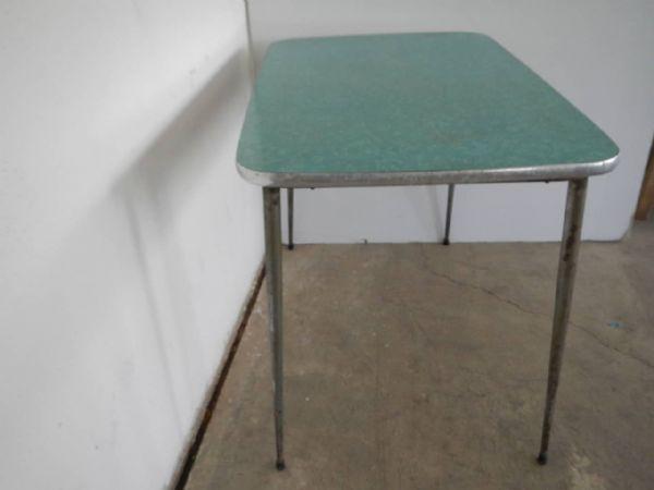 tavolo da cucina in formica anni 50