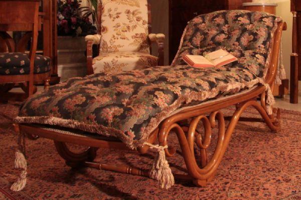 Chaise longue kohn design antiquariato su anticoantico for Chaise longue tours