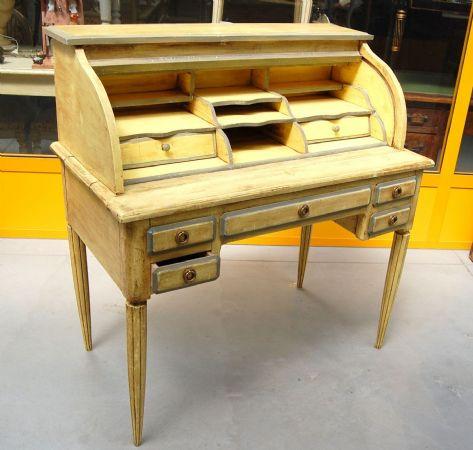 Scrittoio con ribalta \'a rullo\' laccato bicolore in stile Luigi XVI ...