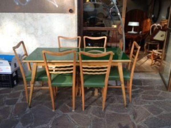 Tavolo In Vetro Con 6 Sedie.Tavolo Rettangolare Con Vetro Di Colore Verde 6 Sedie Italia