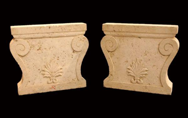 Coppia di basi da tavolo in Travertino. Epoca 1800.