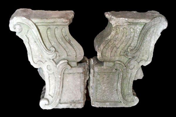 Coppia di mensole in marmo. Epoca Luigi XIV.