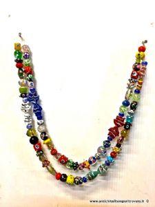 1900年代中期的Murano珍珠串由光制成
