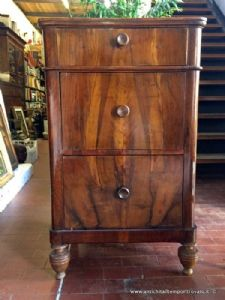 Small antique Italian dresser from the end of the 19th century