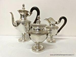 Juego de café egoísta estilo Imperio antiguo en plata de Peruzzi Firenze