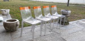 Set di sei sedie in plexiglass