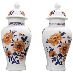 Pair of oriental hand-painted porcelain vases China sec. XX NEGOTIABLE PRICE