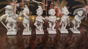 Set. Completo sei pezzi figure allegoriche