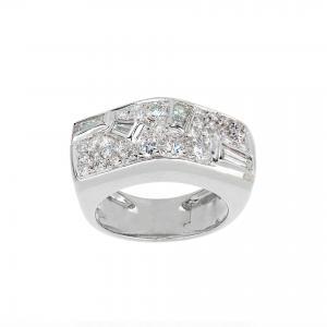 Anello a fascia con pavè di diamanti