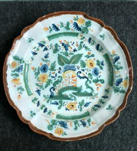 "Plate in majolica decorated with the ""bridge"", Manifattura Bartolucci of Pesaro-Urbania"