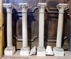 dars278 n. 4 каменных колонны Боттичино с основаниями и капителями высотой 183 см общ.