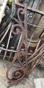 estantes de hierro fundido