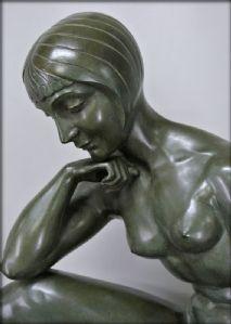 Morante unterzeichnet Statue