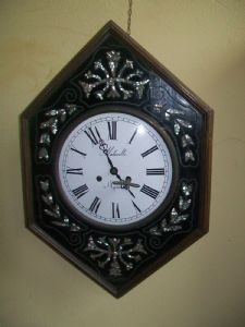 Grandfather clock bullseye inlaid with mother of pearl vintage 900