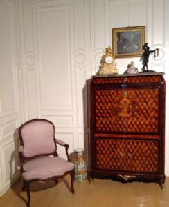 Secretaire Luigi XV riccamente intarsiato, Parigi, Francia XVIII secolo