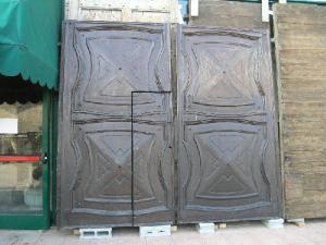 ptn136 walnut door with door ep. '600 width. 130 xh 277 cm
