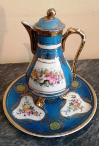 Coffee pot / teapot with hand-painted French porcelain plate from the late 19th century