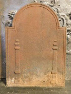 p228-带柱的铸铁板,尺寸cm l 50 xh 68
