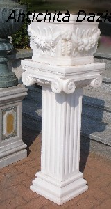 Columna con jarrón