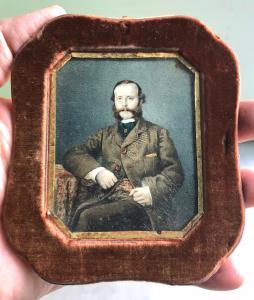 Miniatura que representa el personaje masculino Óleo sobre pergamino.