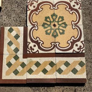 Pavimento in graniglia decorato