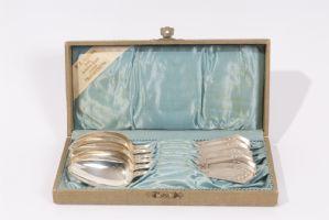 Seis 800 cucharas de plata