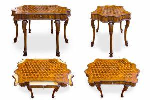 Straordinario e unico tavolo da centro in legno di noce e radica di noce mosso sul fronte e nei fianchi finemente intarsiato a sei gambe VENEZIA LAGUNA XVIII secolo