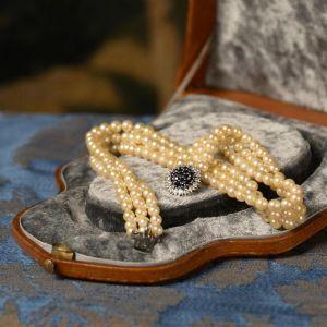 Gold, Perlen, Saphir und Diamanten Perle Halskette signiert