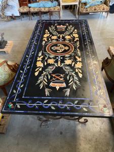 Tisch mit Marmor und Schmiedeeisenplatte 244x122x80h