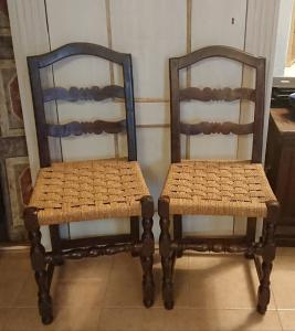 Beautiful pair of spool-chairs in Piedmont walnut