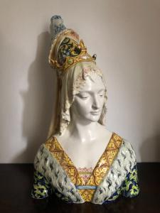 Busto in maiolica,Regina rinascimentale .Manifattura Minghetti.Bologna.