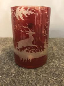 Bohemian crystal mug from the Biedermeier period with engraved hunting scene with deer.