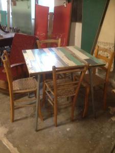 tavolo da bar anni 70