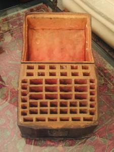 Leather box for cutlery service