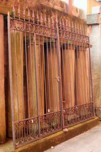 Puerta de dos palancas