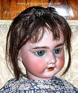 Rare doll integrates DEP for the French market