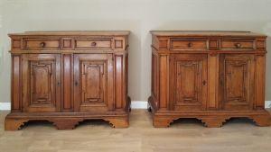 Coppia di credenze in legno di noce e ciliegio-Italia - stile '600