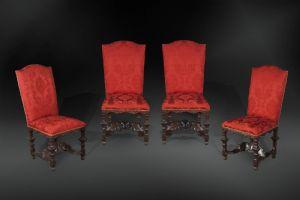 Gruppo di quattro sedie